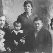 Д.А.Батиев с родными