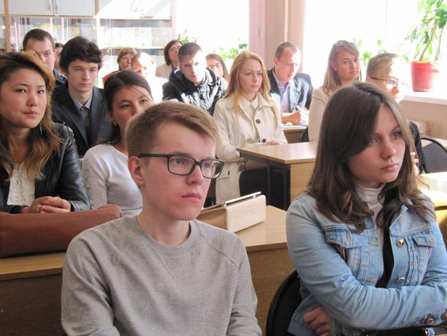 В этом году 54 первокурсника получили студенческие билеты