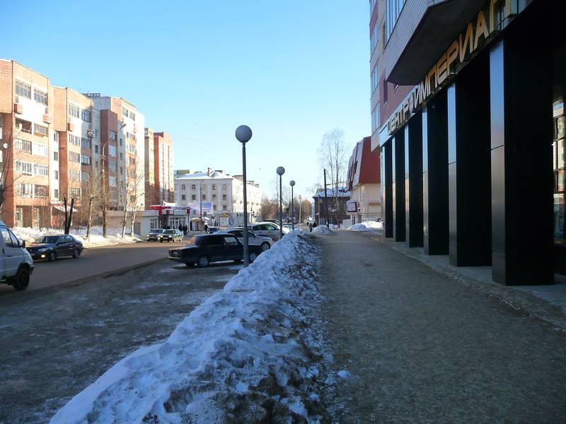 Улица Орджоникидзе от Первомайской к Интернациональной в наши дни