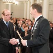 Вручение диплома Н.А.Ракину