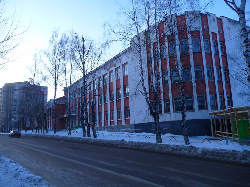 Школа №12 с ул. Куратова.