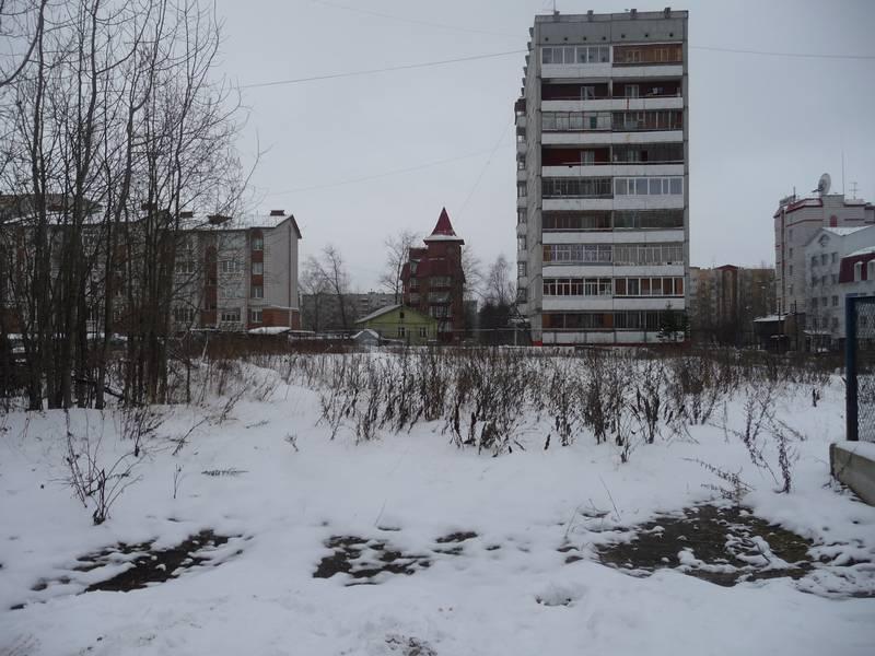 Здесь стоял дом №58. 2010 г.
