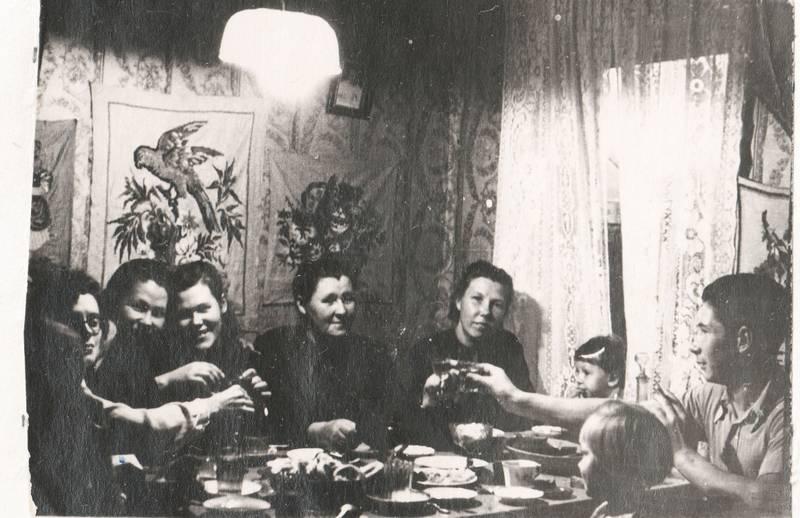 Жеребцовы в доме №30 на Первомайской