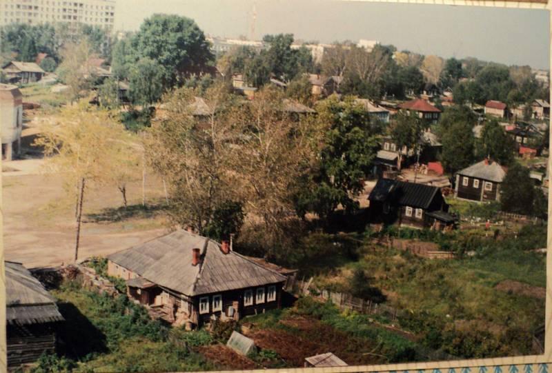 Ул. Первомайская. Сентябрь 1995 г. Фото с сайта komimort.gallery.ru