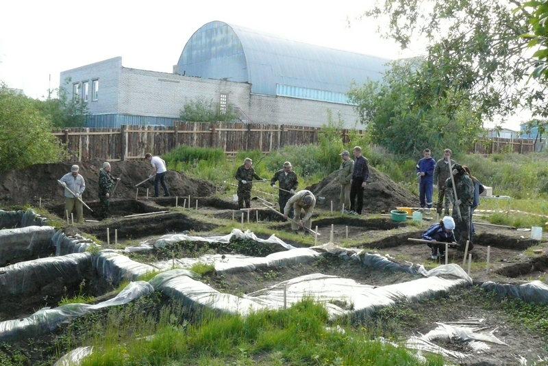 Археологи ИЯЛИ на раскопках в Салехарде