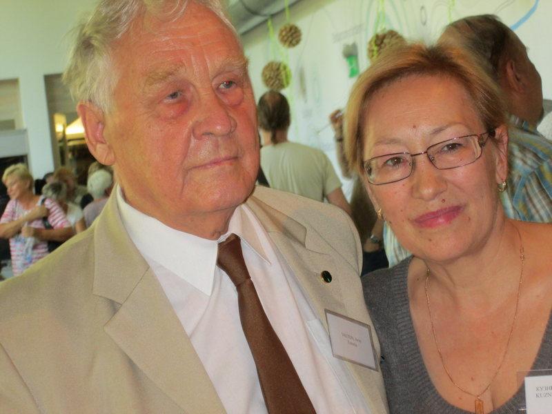 Зав.сектором литературоведения Т.Л.Кузнецова (справа) с эстонским писателем и переводчиком Арво Валтоном (Arvo Valton)