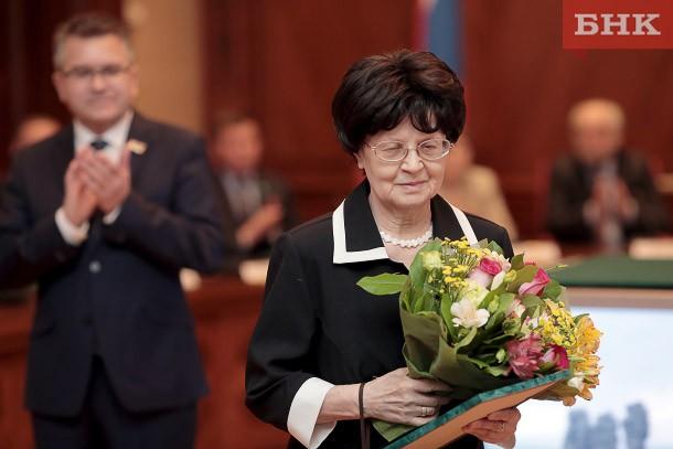 Владимир Тукмаков вручил премии правительства Коми в области научных исследований и внедрения инноваций