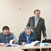 Денег на издание книг Институту языка и литературы в этом году не выделено (Комиинформ)