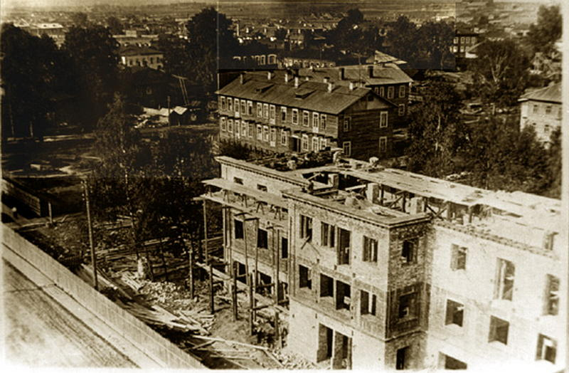 Строится гостиница Север 1936 г.