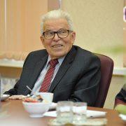 Сергей Гапликов поздравил академика Михаила Рощевского с 85-летием (Комиинформ)