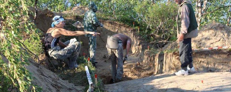 На раскопках древнего поселения в НАО археологи обнаружили фрагменты посуды и металла (Региональный портал НАО info83.ru)