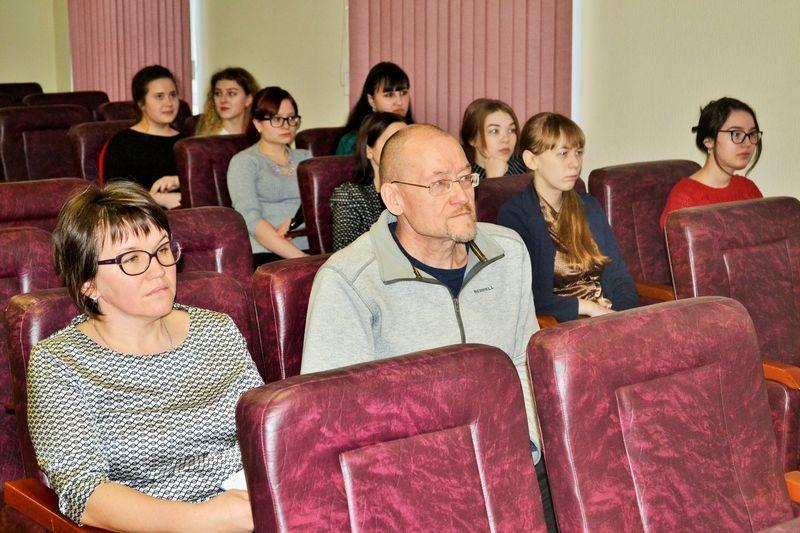 Ученые ИЯЛИ приняли участие в семинаре «Изучение фольклора на уроках коми литературы»