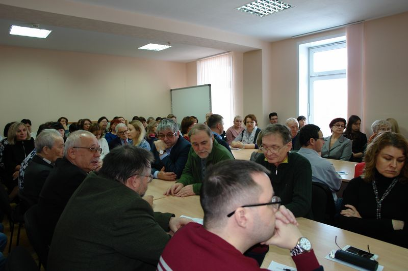 Трудовой коллектив ИЯЛИ проголосовал за директора института