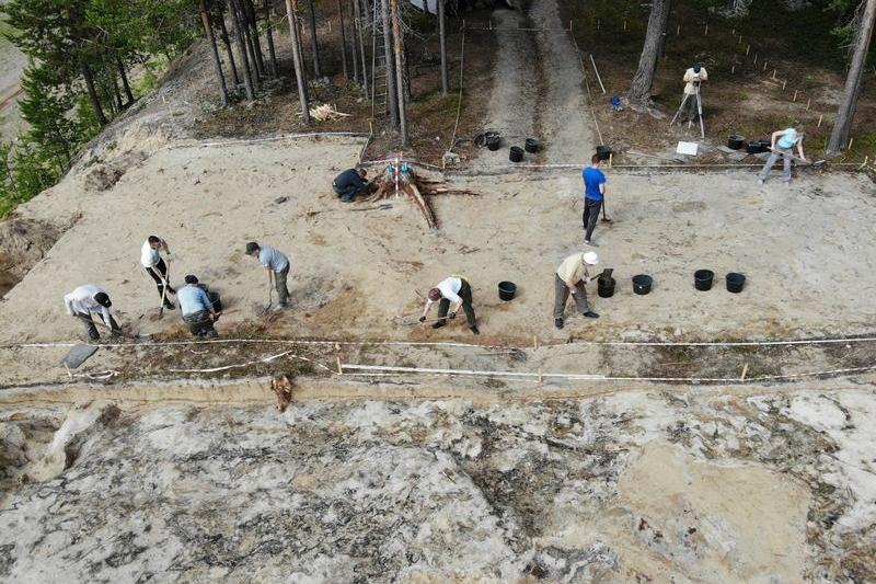Археологи из Коми и Чувашии исследовали поселение Топыд-Нюр II недалеко от деревни Бызовая (Комиинформ)