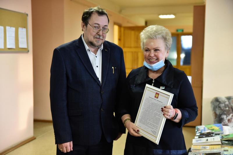 Валентина Жиделева поздравила с юбилеем историка Игоря Жеребцова (Государственный Совет Республики Коми)